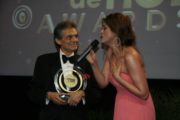 José José recibió el galardón por Trayectoria Musical. Foto: Cortesía