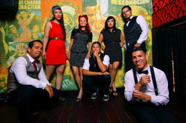 Las Cafeteras llevarán su música a la Costa Este, donde también van a tener intercambios culturales con universidades, museos, y organizaciones de derechos de inmigrantes con el fin de compartir historias de sus respectivas ciudades.