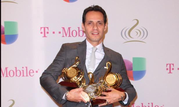 Marc Anthony también fue honrado con el prestigioso Premio a la Excelencia. Fotos: Univisión.