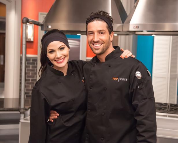 Cynthia Olavarria y David Chocarro ¿presumirán su talento culinario? Averígualo siguiendo Top Chef: Estrellas.