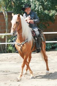 Una de las pasiones de El Poeta del Pueblo son los caballos. Foto: José Flores