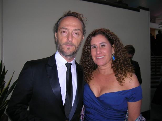 El cinematógrafo mexicano nominado por sexta ocasión al Óscar llegó a la ceremonia de la ASC acompañado de su esposa. Foto: Kioskonews