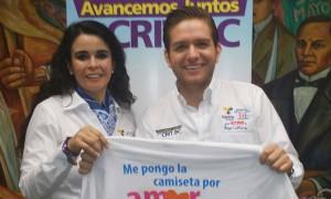 La presidenta del DIF de Baja California, Brenda Ruacho de Vega con El Dasa. Foto: KioskoNews