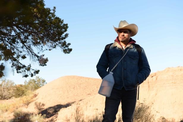 Michael Pe¨ña interpreta a un latino que cruza la frontera sin documentos. Foto: Magnolia Films
