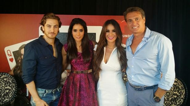 Los protagonistas y villanos de 'Reina de Corazones' estuvieron en Los Ángeles para promover la serie que se estrena el 7 de julio. Foto: KioskoNews.