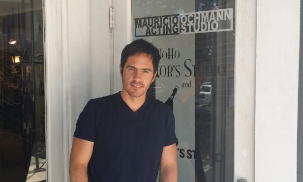 Mauricio Ochmann decidió instalar la escuela de actuación en Los Angeles porque fue la ciudad a donde llegó hace 20 años a construir su carrera. Foto: KioskoNews