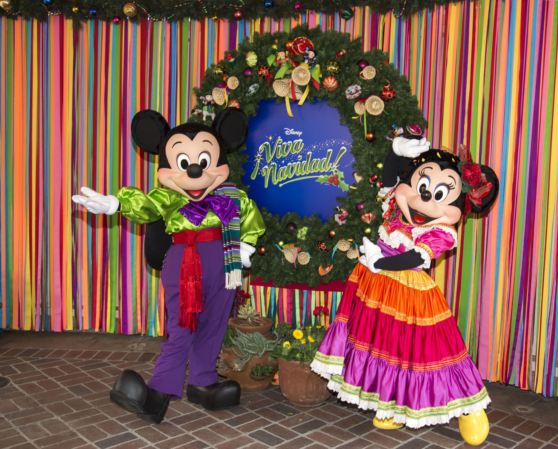 KioskoMagazine » Espíritu navideño se apodera de Disneyland