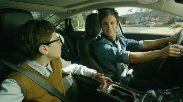 El actor mexicano Gael García Bernal arrancó campaña en Estados Unidos para promocionar autos. Foto: Especial