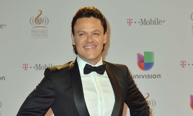 Pedro Fernández será uno de los conductores de la edición 25 de  Premios Billboard de la Música Latina.