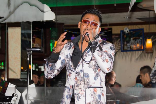 Henry Vera se presentó con gran éxito el 19 de mayo en Palmas Restaurant. Fotos: Odalys Pomales