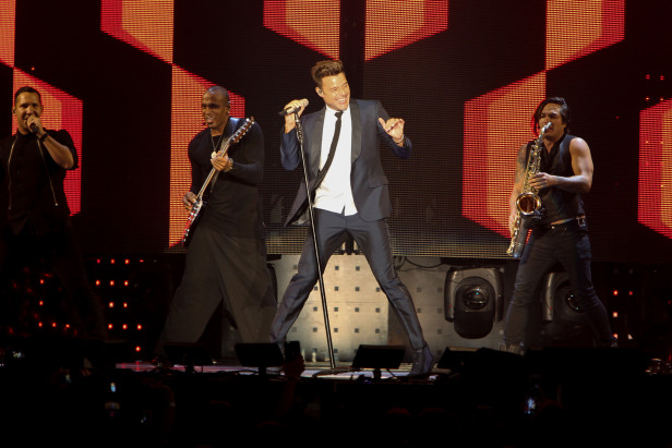 Los Angeles, CA. - September 19, 2015: Ricky Martin / HaAsh - The Forum (Photo:DDPixels).