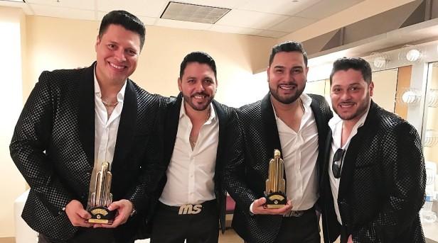 La Banda MS sigue imparable, en esta ocasion se quedaron con tres premios. Fotos: EstrellaTV