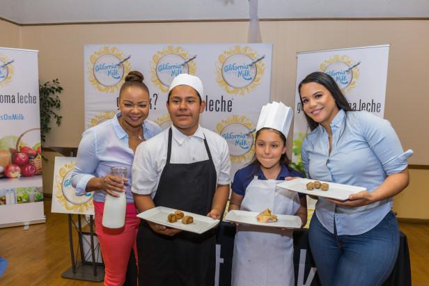 """Liz y Carmen Milian, protagonistas del reality show """"Christina Milian Turned Up"""" de la cadena televisiva E!, se unieron a la campaña y compartieron con jóvenes recetas saludables que incluyen leche como uno de sus ingredientes."""