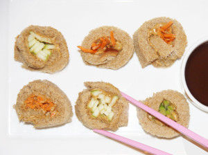 """La receta Sushi de Zanahoria y Manzana con Crema de Cacahuate es una propuesta de la chef Liz Milian, de """"Christina Milian Turned Up"""" de la cadena televisiva E!"""