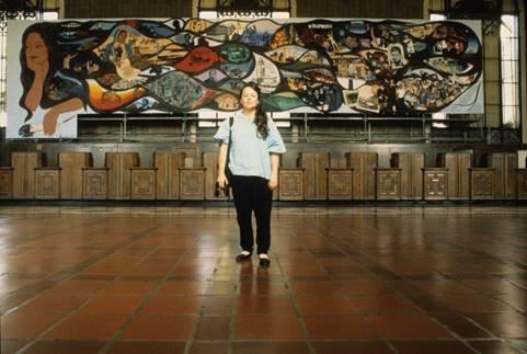 El mural de 80 pies y realizado por Barbara Carrasco forma parte de parte de la exposición ¡Murales Rebeldes! L.A. Chicana / Chicano Murals under Siege.