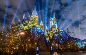 Castillo_Christmas in the WWoHP at USH - Hogwarts castle