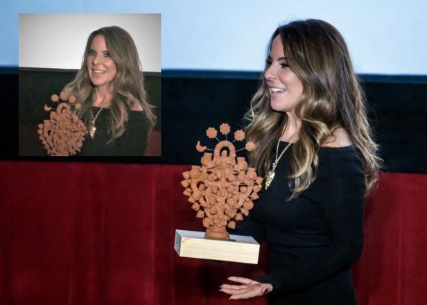 La actriz mexicana obtuvo el premio El Arbol de la Vida.