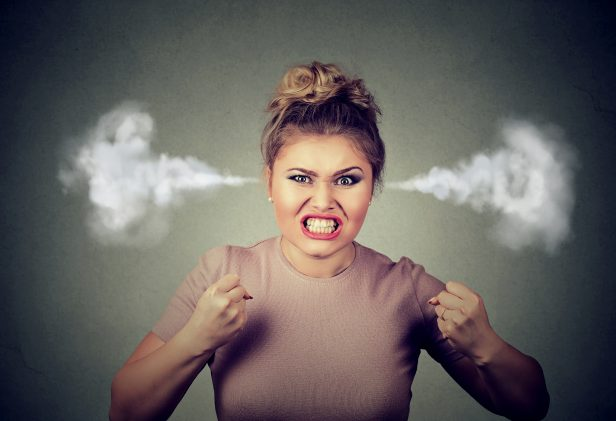 Ira, enojo, desesperacion, trabajo, angry work angry woman blowing steam coming out of ears