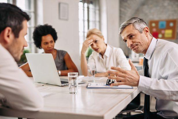 stress, trabajadores, oficina, desmotivados
